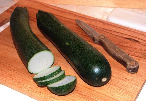 black penis is bigger as a cucumber