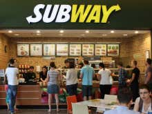 A Guy Robbed A Subway And Then Ran Back In To Grab The Sandwich He Ordered