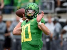 News That Justin Herbert Is Leaning Toward Staying In School Next Year Was Exactly What Giants Fans Didn't Want To Hear This Morning